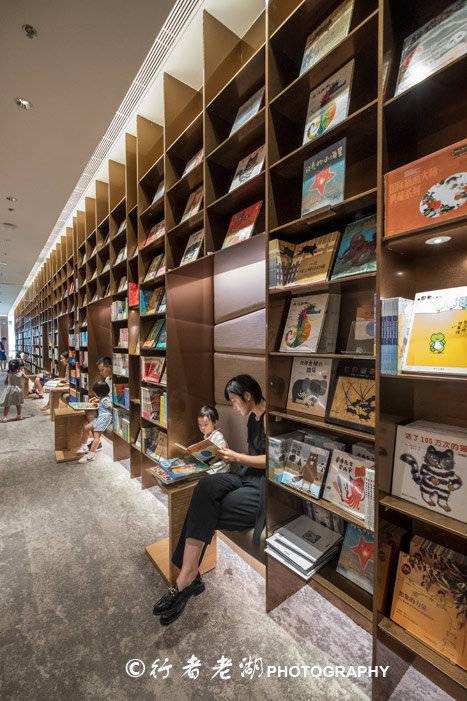 原创深圳最美书店,看书喝咖啡亲子拍照,原来新潮书店可以这么玩图片