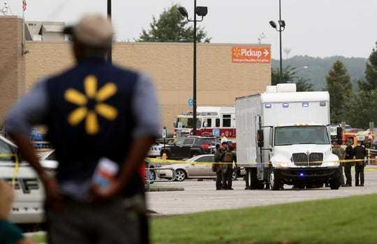 美国一沃尔玛商店发生枪击案致2死 凶手为前员工