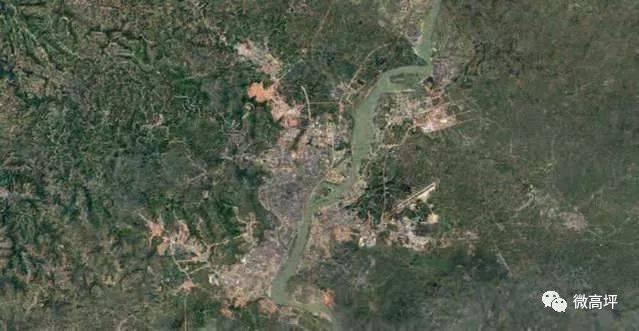 聪明的小伙伴已经看出来了 这是两张卫星地图 但这并不是简单的卫