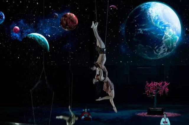 旅行团 8月12日—9月29日 汉秀是一场惊艳绝伦的 4d魔幻水上大秀,是黑