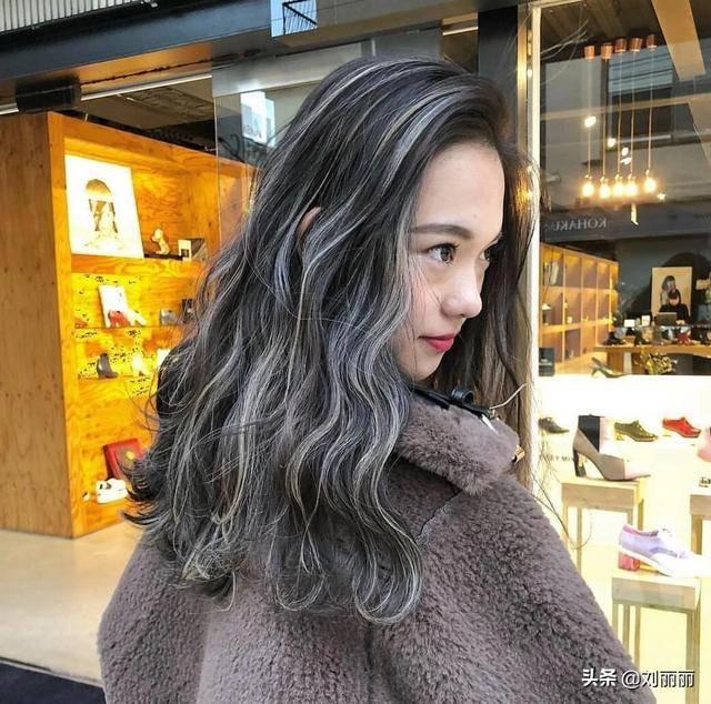 为什么染灰色一定要先漂头发