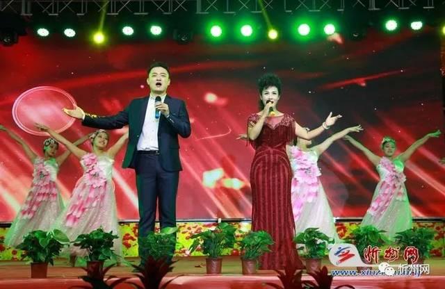 歌伴舞《共筑中国梦》