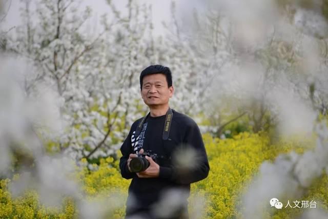 """中国梦""""诗文大赛三等奖;2012年""""世纪金榜杯""""全国校园文化系列活动"""