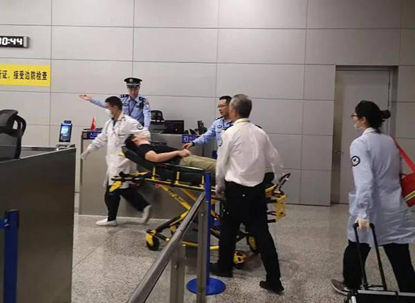 一名旅客突发心脏疾病,东京飞迪拜航班备降上海浦东机场