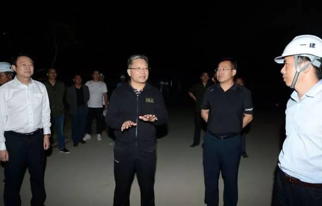 彭晓春昨夜突访区运会项目现场