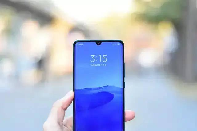 手机屏分几种?什么叫水滴屏,刘海屏,瀑布屏,全面屏?图片