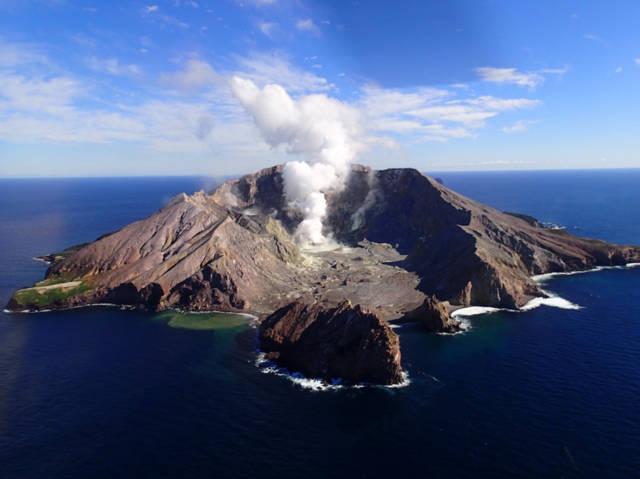 """新西兰火山喷发背后,""""火山旅游"""