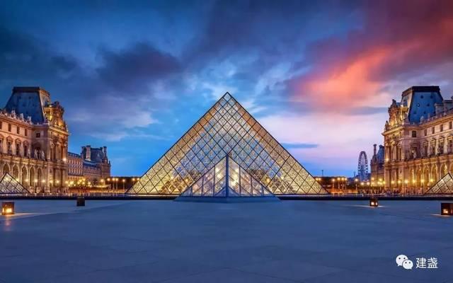 卢浮宫玻璃金字塔 卢浮宫的镇馆之宝 如今的卢浮宫已成为藏品灿若图片