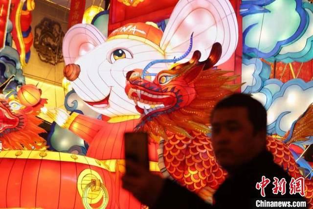 AI技术点亮上海豫园灯会 传统灯彩披上科技外衣