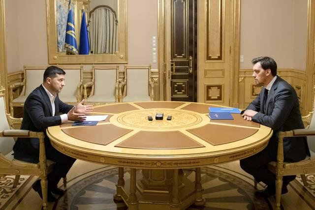 天下头条|乌克兰总统驳回总理辞呈 软银要为印尼开发新都投资400亿美元
