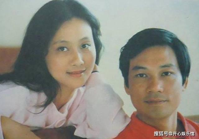 黄梅莹第一任老公是谁 八卦感情史曝她的丈夫金鑫是干嘛的