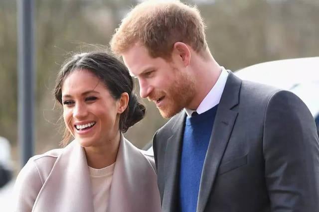 """震惊!英国""""离职王子""""哈里和梅"""