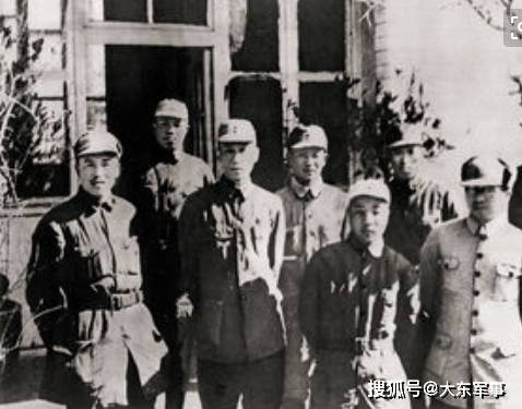 八路军山东政治委员雨晴,战斗中多谋善断,表现出高超的政治才能和军事素
