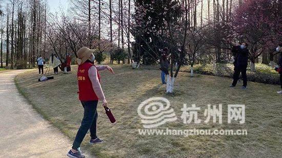昨天5000多人涌进杭州植物园!有人偷偷干这事…