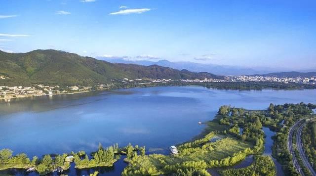 走进四川西昌邛海,探索泸山风景及巴蜀树王