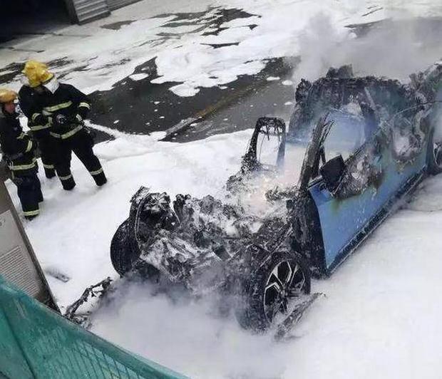 新能源车频频出现自燃事故,究竟要闹哪样,车主