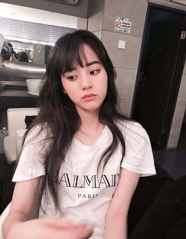 欧阳娜娜青春少女长发发型欣赏图片