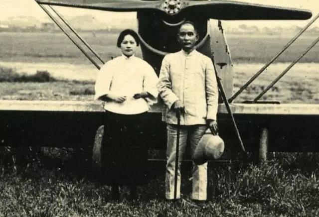 婚后多年,宋庆龄向著名的新闻记者埃德加·斯诺谈到她与孙中山的婚姻