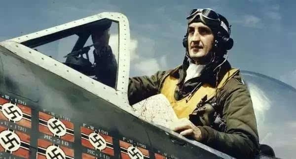 二战美军王牌飞行员虽然没有达到德国那种变态的程度,但数量却十分