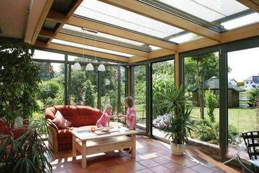 但是阳光房网提供的玻璃阳光房,不仅外观美观,而且具有各种系统设计