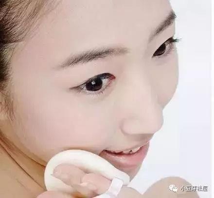 痘痘脸可以化妆吗?脸上长痘了还能化妆吗?
