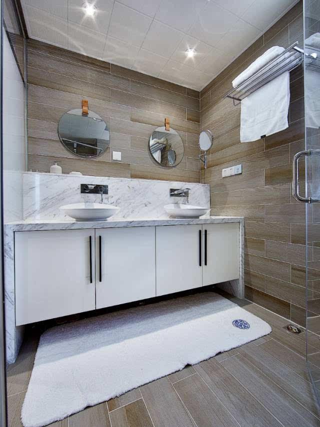 (最重要) ▲ 也有北欧或者偏现代风格的卫生间选择自砌橱柜的,洗手台
