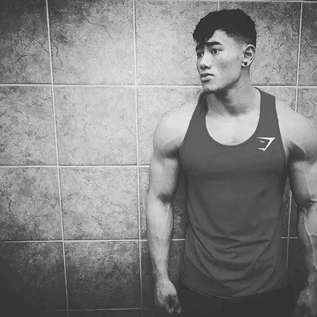 亚洲欧美经典有码_当亚洲面孔配上欧美般的肌肉,21岁男究竟有多帅?