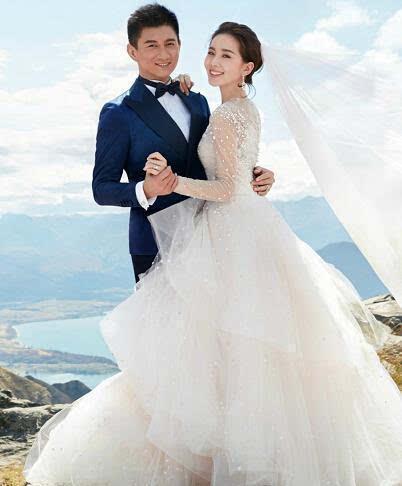明星婚纱照_明星结婚照戚薇不走寻常路,你最喜欢哪个?