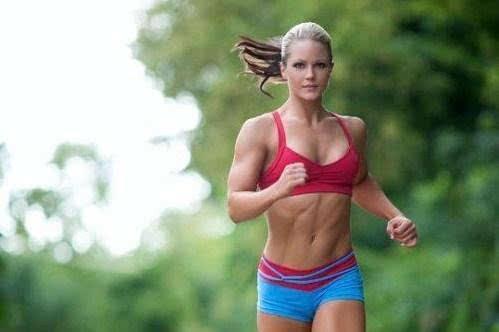 制服美女护士被强奸视频_等待前来跑步健身的女性,并将她们制服后强奸.