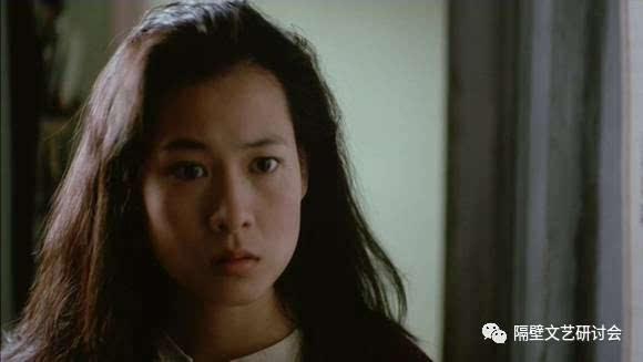 更为神奇的是,凭借在这部电影的表演,刘若英一举夺得亚太影展最佳女