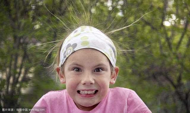 小编科普:头发起静电怎么办图片