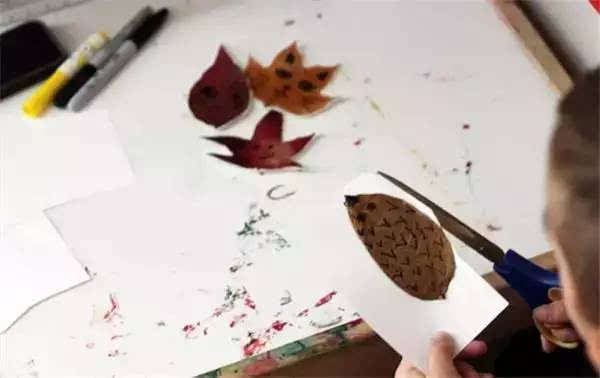 细数16种树叶种玩法,嗨翻整个秋天!秋季学期必备手工哦!