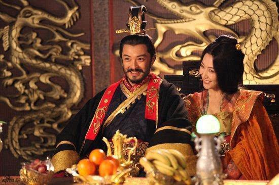 皇帝要妃子侍寝,妃子正好来大姨妈,除了宫女上,还有两种选择