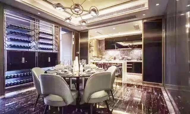 """朱亚文和马伊琍都来""""看房"""",上海顶级豪宅里最不可或缺图片"""