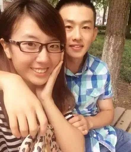 大学考上后,妍妍毕业郑州的学生守则高中高中行为规范图片