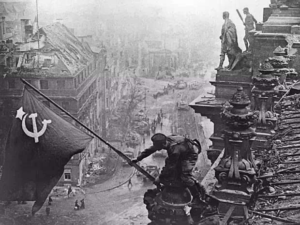 苏联红军在德国_那支保卫过莫斯科,攻占柏林的苏联红军为何在国家解体