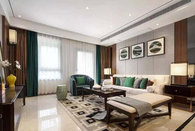 在新中式风格的客厅中,很容易让人接受;再则硬包沙发背景墙与木饰面图片