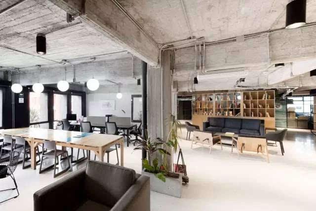 像在咖啡厅一样惬意,墨西哥工业风loft办公室设计图片