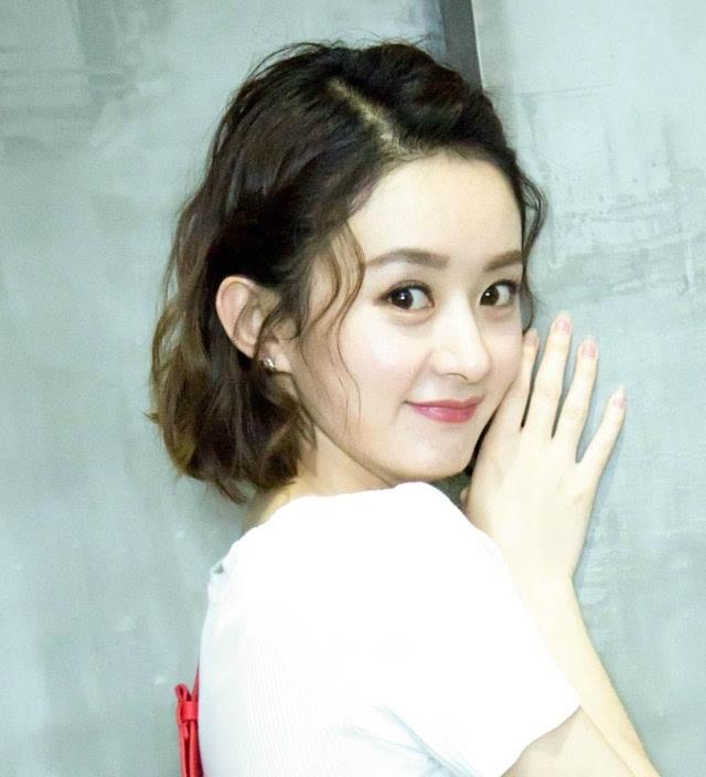 赵丽颖短发新发型美上天,网友:你是吃了可爱长大的吗?