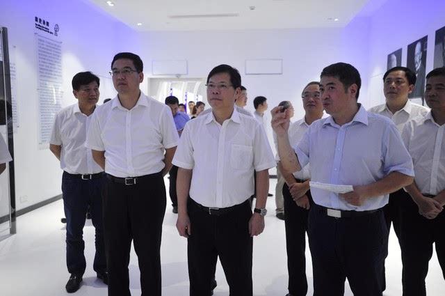 徐立毅市长视察九州量子 作出重要指示