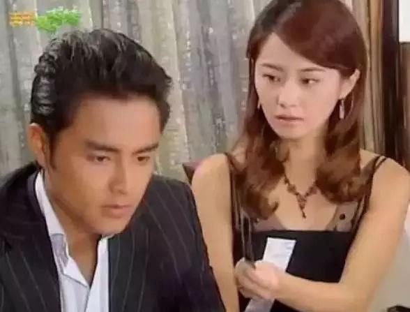 在台湾偶像剧盛产的时候她可是出演过不少电视剧呢,赵小侨在《王子变图片