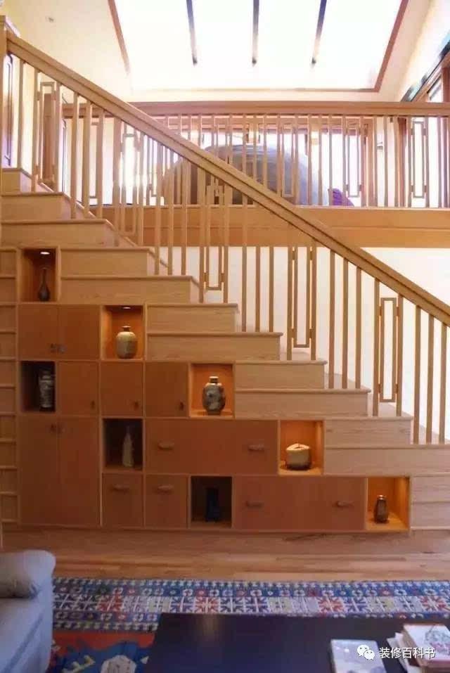楼梯底下的柜子,竟然可以有这么多花样,收纳超好看!