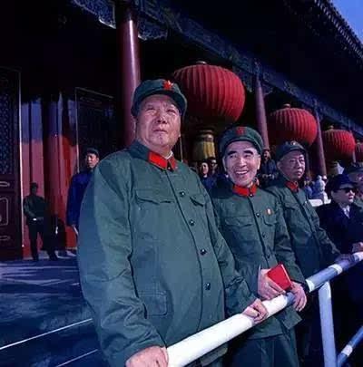 要求全国各地的革命学生代表和革命教职工代表来北京参观