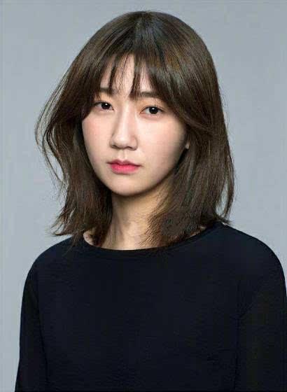 微胖脸圆的女生短发和齐刘海造型!