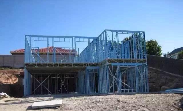 图说:澳大利亚超轻钢结构别墅建造过程
