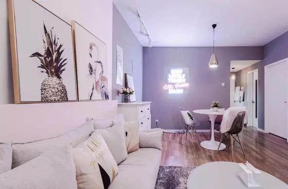 可以挑几幅好看的画 好好排列组合 用来装饰卧室 ▽ △摄影师主题民