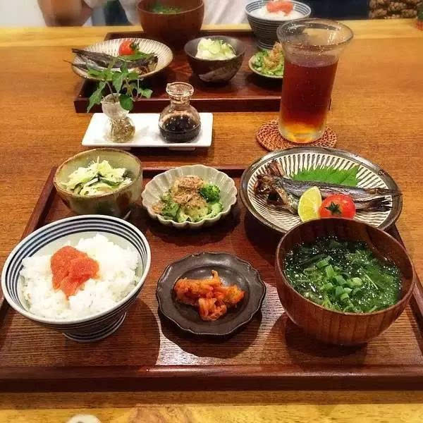 日本人体艺术日本人体大胆写真_日本饮食艺术最主要讲究外观,而不惜牺牲食品的香和味.