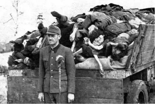 集中营由管理营,灭绝营,劳动营组成,是希特勒种族灭绝政策的执行地.