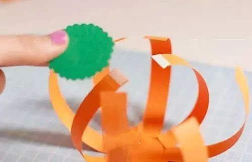 亲子手工:卡纸南瓜手工制作教程 也可以改造成灯笼!