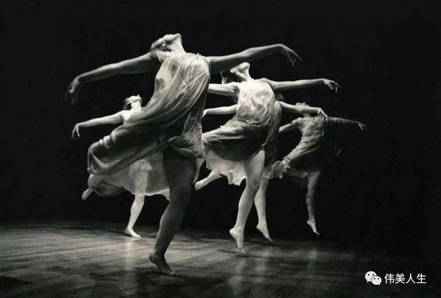 欧美女人下体人体艺术_世界上第一位光脚表演的艺术家,用舞蹈诠释人体之美!